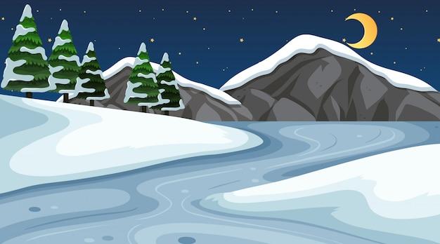 Scena della priorità bassa con neve nel campo