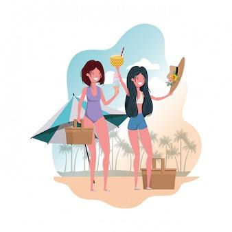 Scena di donne con cocktail di ananas e costume da bagno