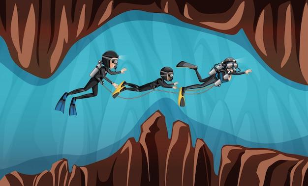 Scena di tre subacquei