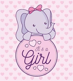 Scheda dell'acquazzone di bambino è una ragazza con un elefante carino