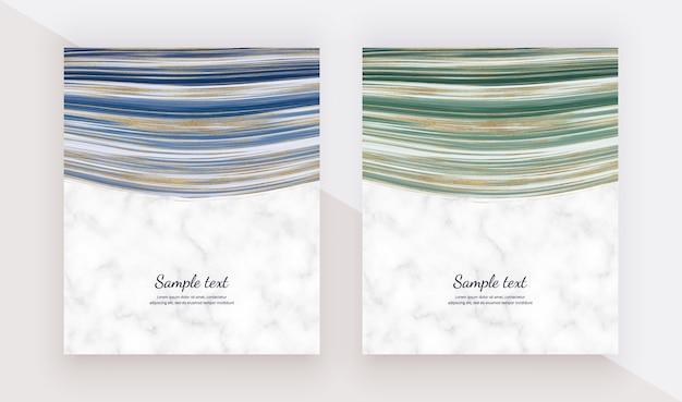 Schede di design liquido con struttura in marmo. sfondo blu, verde con glitter dorati e pittura a inchiostro.
