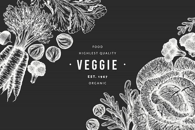 Schizzo disegnato a mano disegno di verdure. alimenti biologici freschi sfondo vegetale retrò. illustrazioni botaniche stile inciso sulla lavagna.