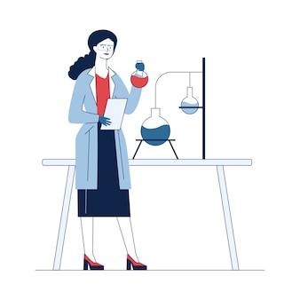 Scienziato che studia reazione chimica