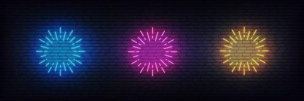 Scoppio di fuochi d'artificio al neon. insieme di segni al neon di fuochi d'artificio al neon