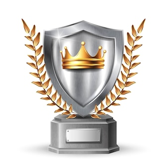 Scudo metallico con cornice. pannello metallico d'acciaio d'argento in bianco con la corona dorata, trofeo del premio delle foglie o modello del certificato isolato su fondo bianco.