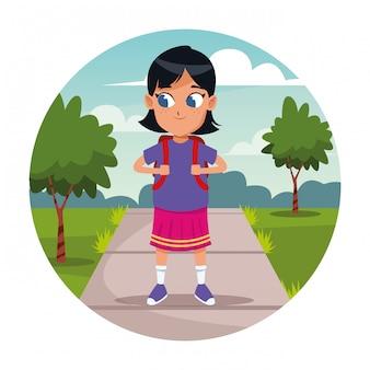 Scuola ragazza con cartone animato zaino