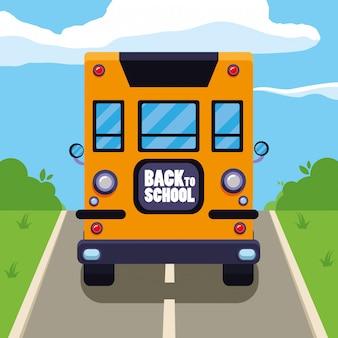 Scuolabus in strada