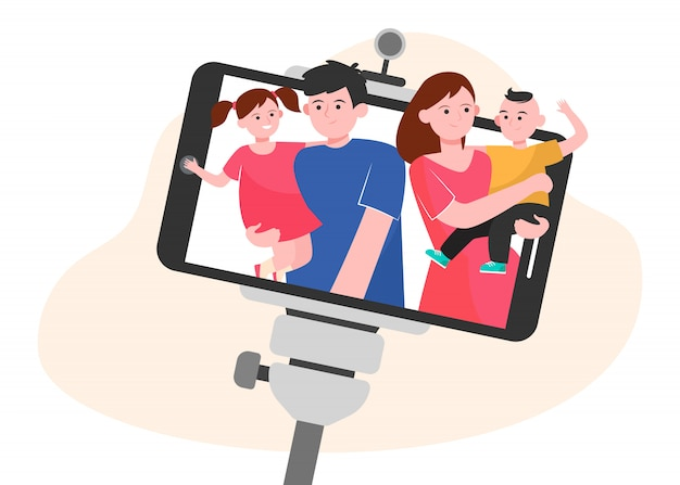 Selfie di famiglia sullo smartphone