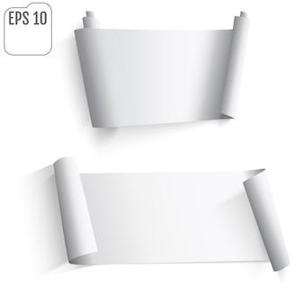 Set di adesivi di carta bianca su sfondo bianco