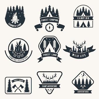 Set di badge monocromatico di avventura. sagoma della tenda camping etichette vettoriali