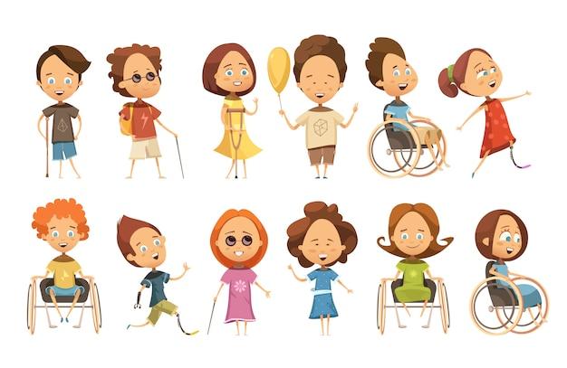 Set di bambini disabili su sedia a rotelle con stampelle e protesi di arti figurative