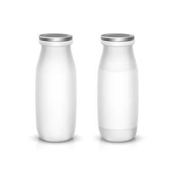 Set di bottiglie bianche vuote per latte di yogurt