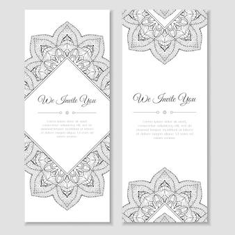 Set di carte con cornice mandala. decorazione originale per modello di testo di auguri o invito per le vacanze