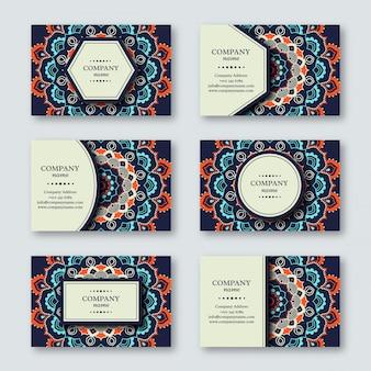 Set di carte mandala ornamentali disegnati a mano