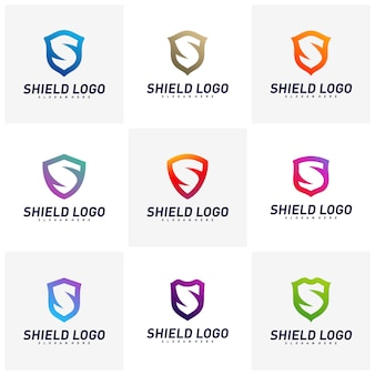 Set di concetti di design del logo di scudo iniziale s. progettazione dell'illustrazione di vettore dello scudo della lettera di s.