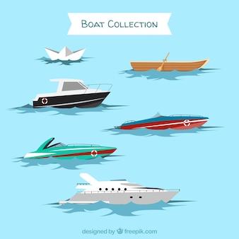 Set di diversi tipi di imbarcazioni