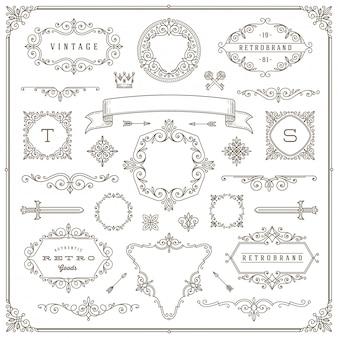 Set di elementi vintage - svolazzi e cornici ornamentali, bordi, divisori, banner e altri elementi araldici per logo, emblema, araldica, saluto, invito, design della pagina.