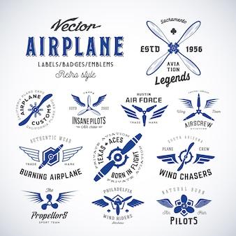 Set di etichette aereo vintage con tipografia retrò. isolato
