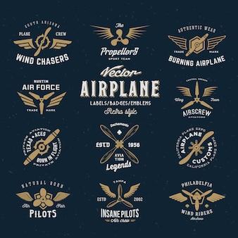 Set di etichette aereo vintage con tipografia retrò.