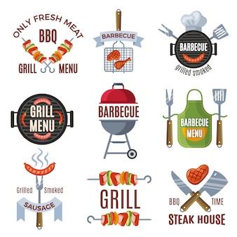 Set di etichette colorate per la festa del barbecue. cibo alla griglia