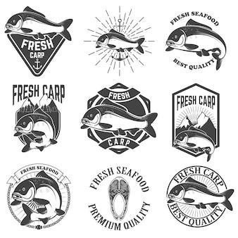 Set di etichette di carpe fresche, emblemi ed elementi di design