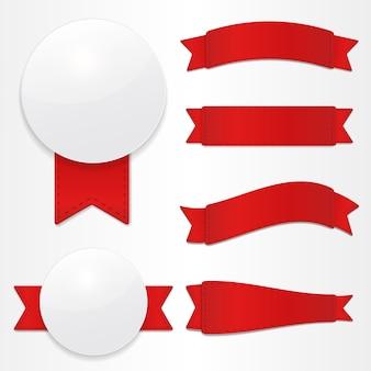 Set di etichette vettoriali e nastri rossi.
