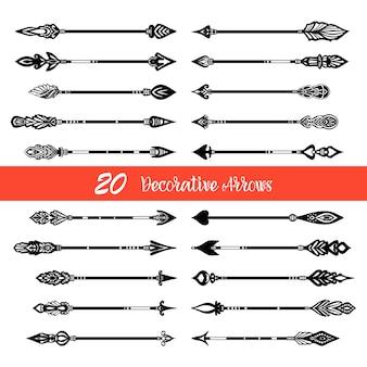 Set di frecce di doodle disegnato a mano