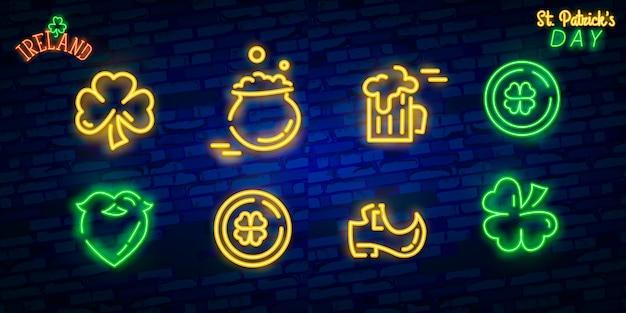 Set di icone di st. patrick's day isolato. insegna al neon di san patrizio.