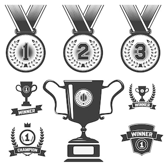 Set di icone medaglia, trofeo, icone del primo posto.