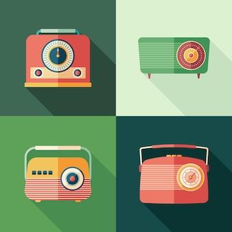 Set di icone quadrate piatte di radio vintage con lunghe ombre.