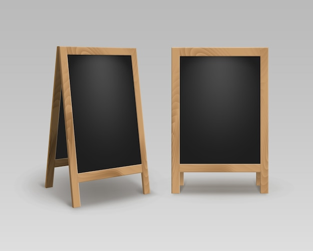 Set di legno vuoto vuoto pubblicità street sandwich si trova sul marciapiede segni black menu boards isolati su sfondo