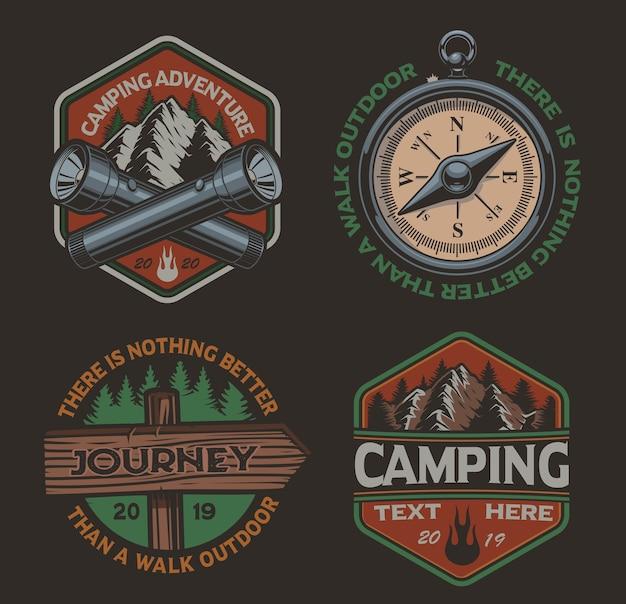 Set di loghi a colori per il tema del campeggio. perfetto per poster, abbigliamento, magliette e molti altri. stratificato