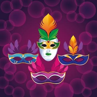 Set di maschere con piume