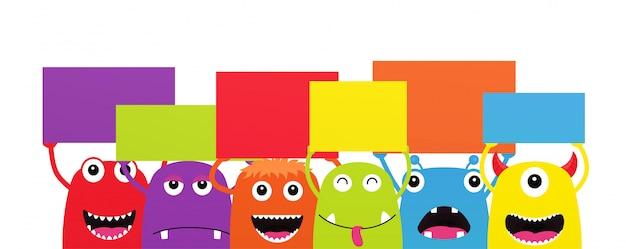 Set di mostri divertenti del fumetto con le bandiere di discorso di dialogo. personaggi halloween su sfondo bianco.