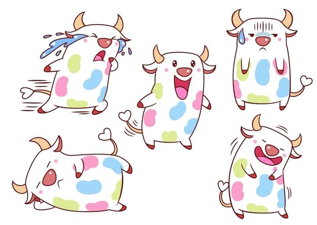 Set di mucche simpatico cartone animato con macchie di colore in diverse pose.