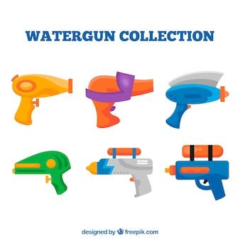 Set di pistole ad acqua colorate con materiale plastico
