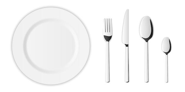 Set di posate di forchetta, cucchiaio, coltello da cucina in argento.