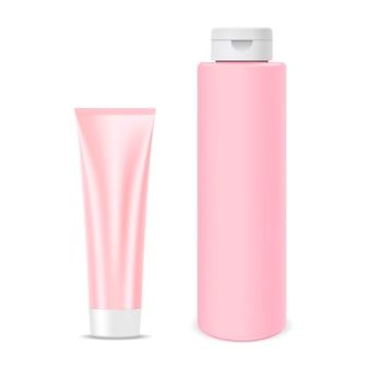 Set di prodotti cosmetici realistici. bottiglia di shampoo
