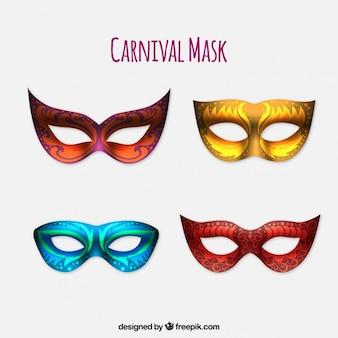 Set di quattro maschere di carnevale realistici