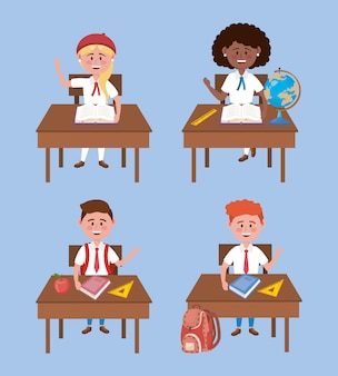 Set di ragazze e ragazzi studenti nella scrivania con uniforme