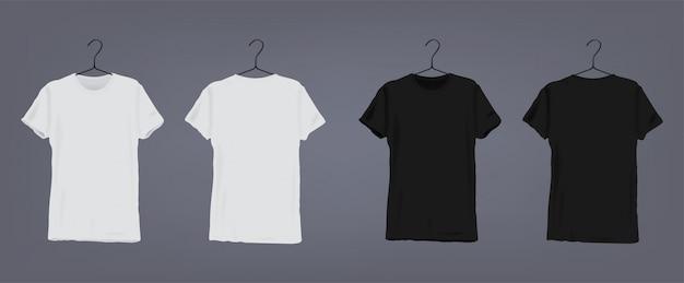 Set di realistiche t-shirt unisex classiche bianche e nere con scollo a v su appendiabiti. vista anteriore e posteriore.