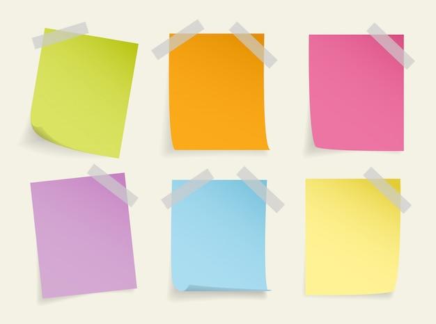 Set di realistico nota adesiva colorata