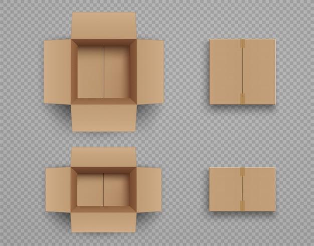 Set di scatole di cartone chiuse e aperte isolate su trasparente