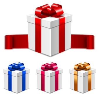 Set di scatole regalo bianche con fiocchi in vari colori