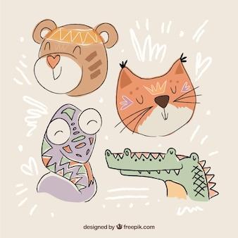 Set di simpatici animali disegnati a mano in stile etnico