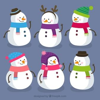 Set di simpatici pupazzi di neve
