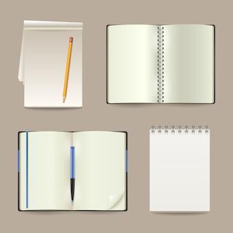 Set di taccuini di carta realistico bianco vuoto aperto