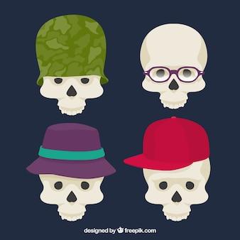 Set di teschi con diversi cappelli