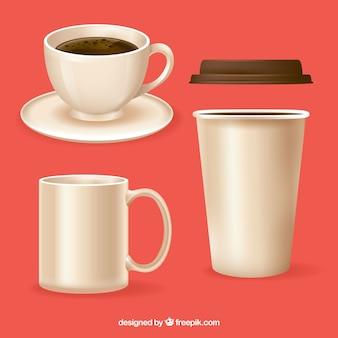 Set di tre tazze da caffè realistiche