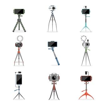 Set di treppiedi, monopiedi per selfie con smartphone e fotocamere. illustrazione piatta